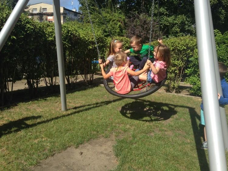 Sjiv leg på børnehavens legeplads