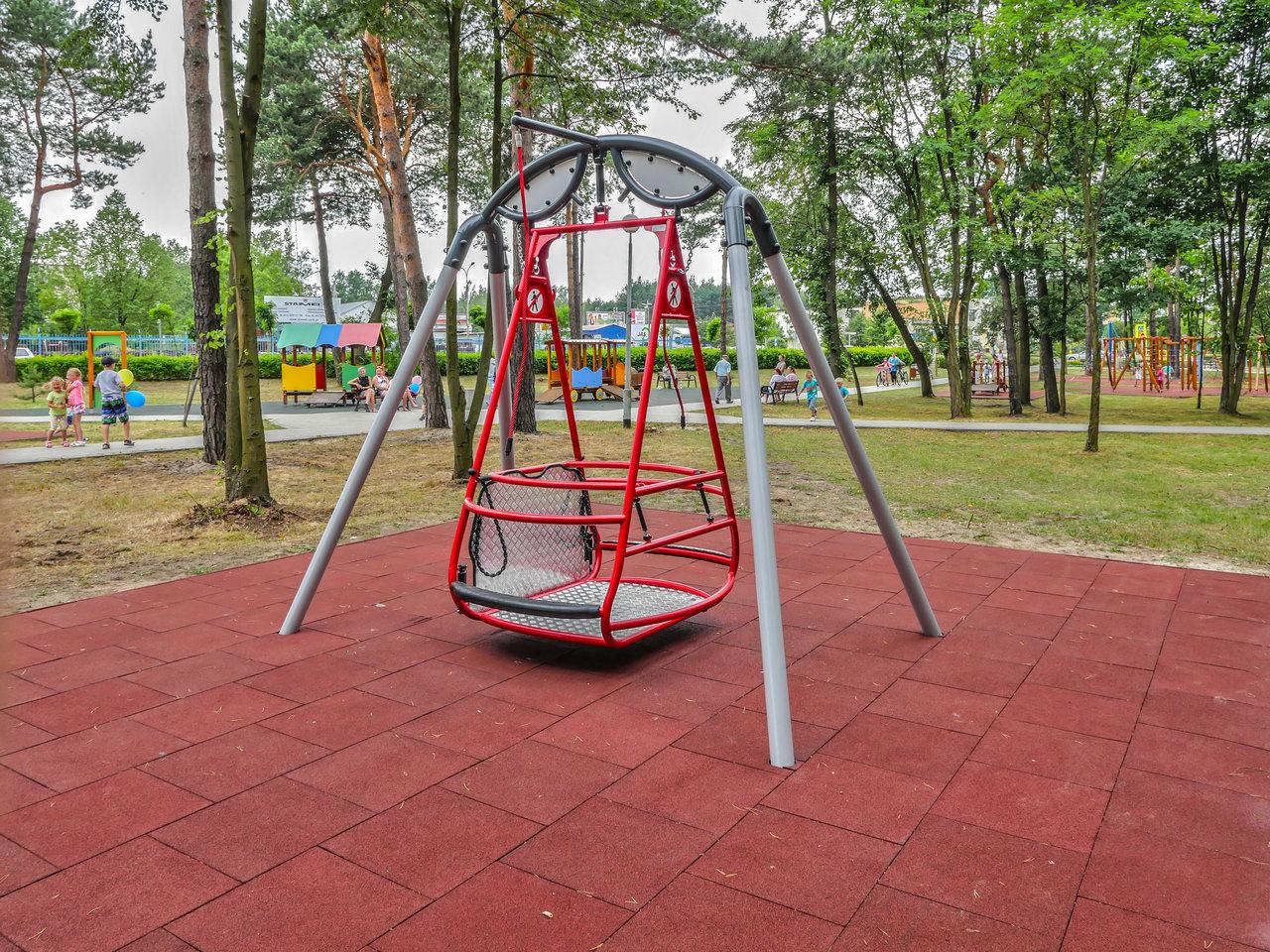 Unikke legeredskaber til legepladsen i specialinstitution