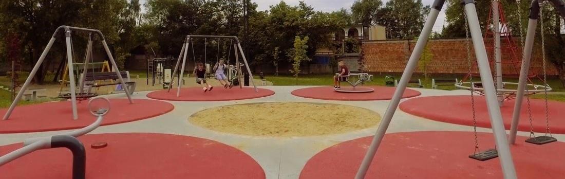 Kreative skolegårdsmiljøer skaber optimale legepladser til skolen