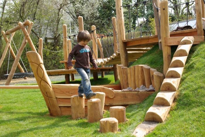 Skønne muligheder for motorisk leg på legepladser.